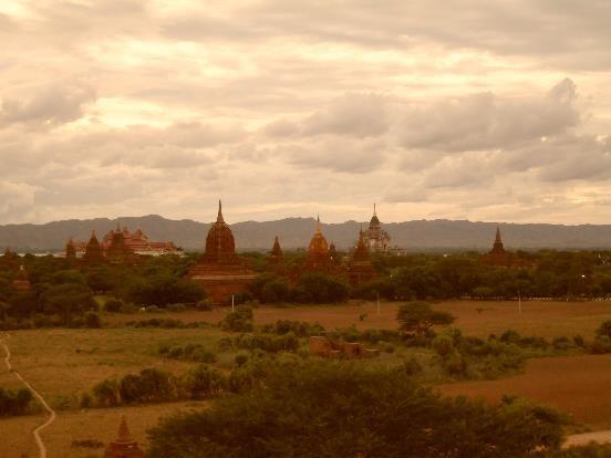 Vue sur les temples de Bagan