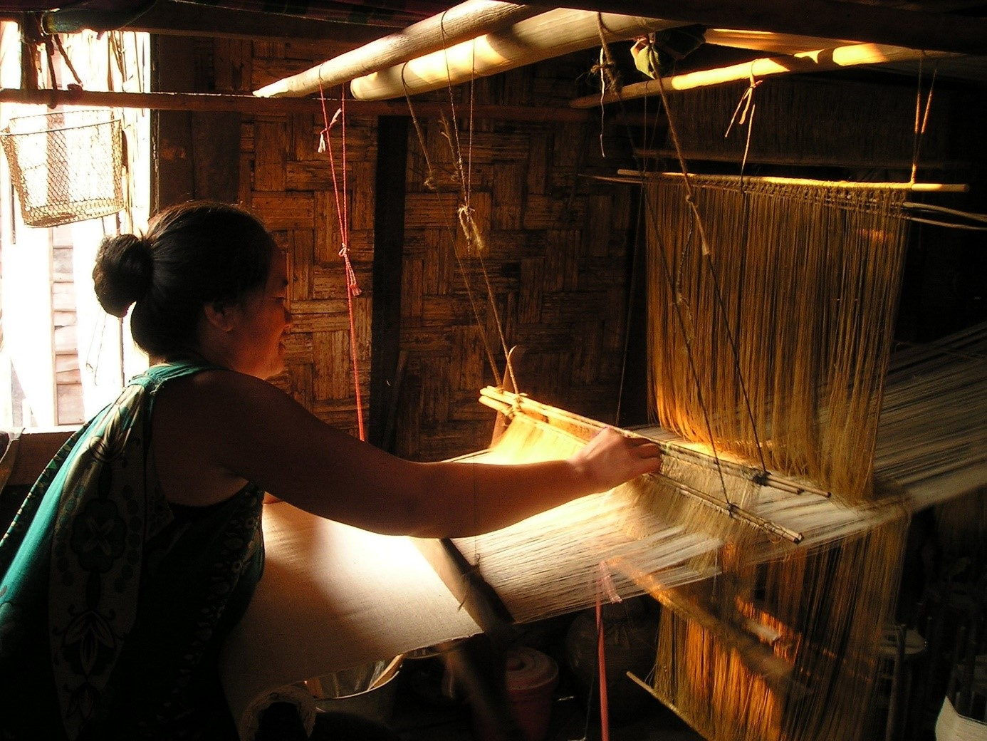 femme metier à tisser Laos