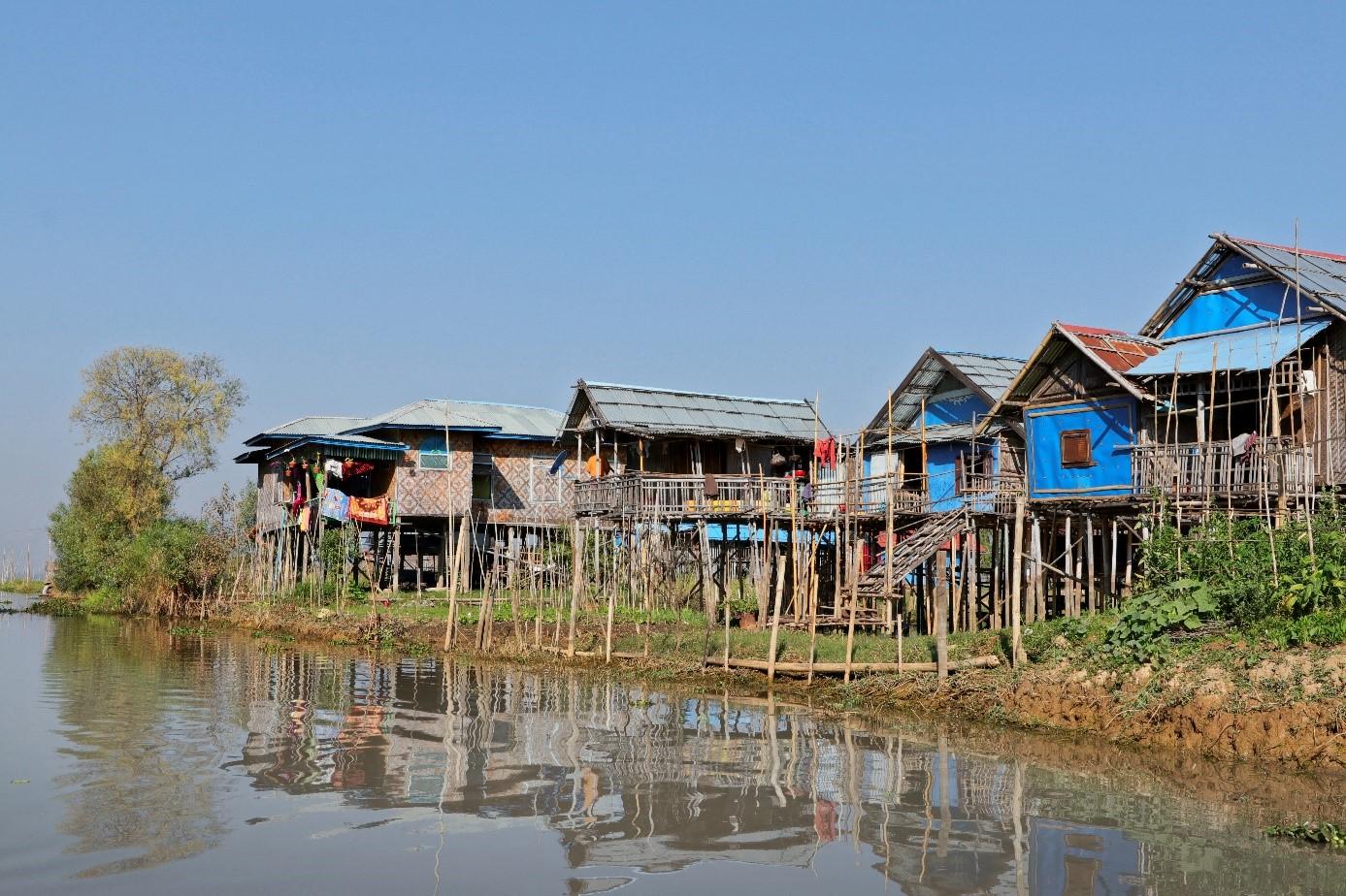 village sur piloti lac inlé